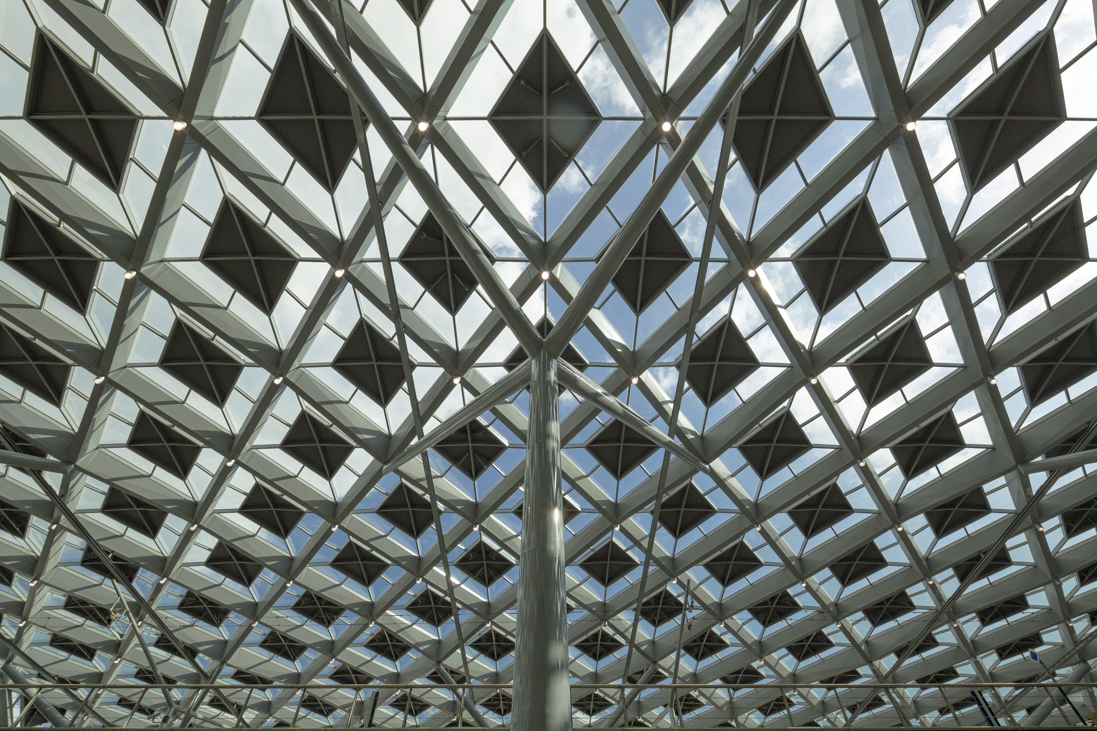Foto: OV terminal Den Haag, ontw.: Benthem Crouwel architecten